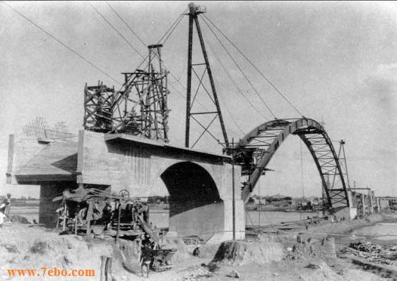 پل سفید اهواز از سمت میدان شهدا با استفاده از جرثقیل